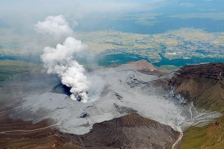 Vulkani - Page 29 20a00a10