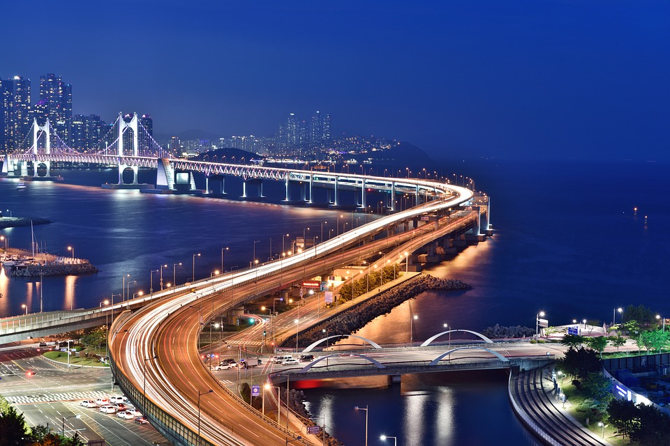 Gradovi noću - Page 33 Busan-10
