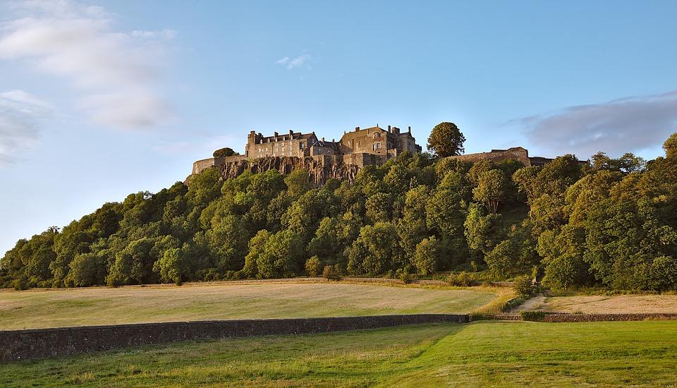 Dvorci,tvrđave i zamkovi - Page 5 Castle17