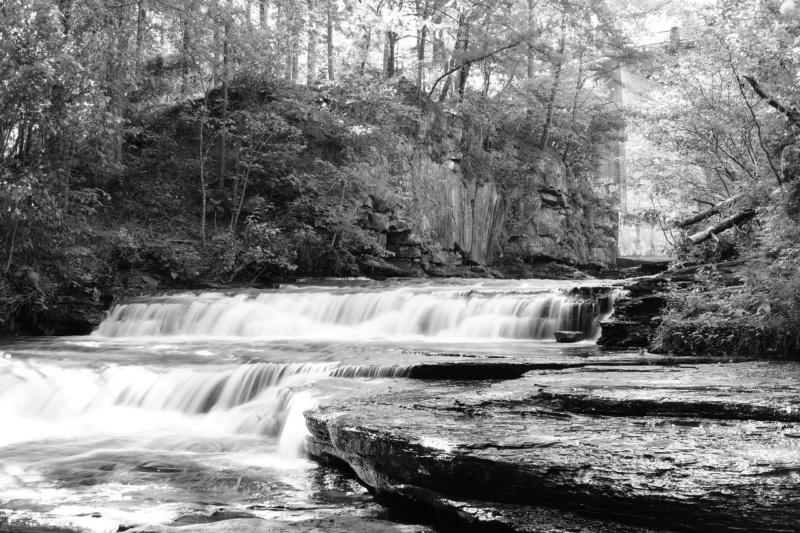priroda u crno beloj boji - Page 24 Creek-10