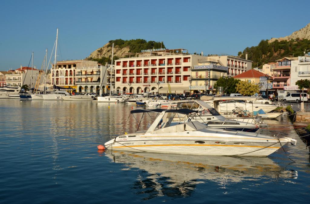 Luka-marina-port - Page 17 Greece12