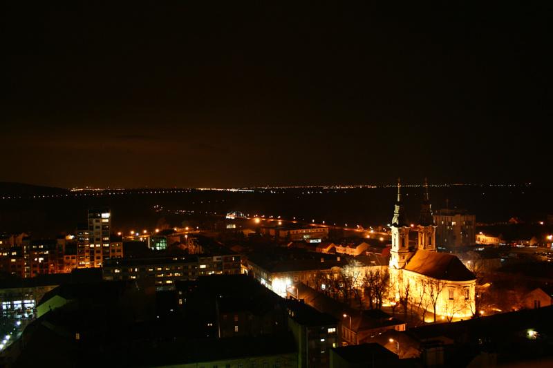 Gradovi noću - Page 33 Img_4310