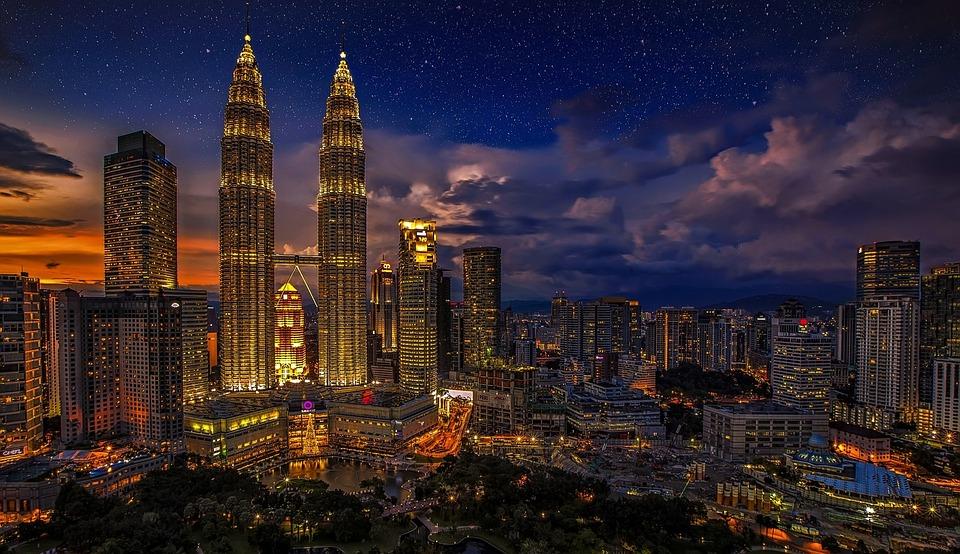 Gradovi noću - Page 33 Kuala-10