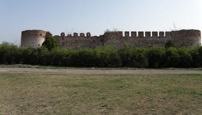 Dvorci,tvrđave i zamkovi - Page 5 Mala_t10
