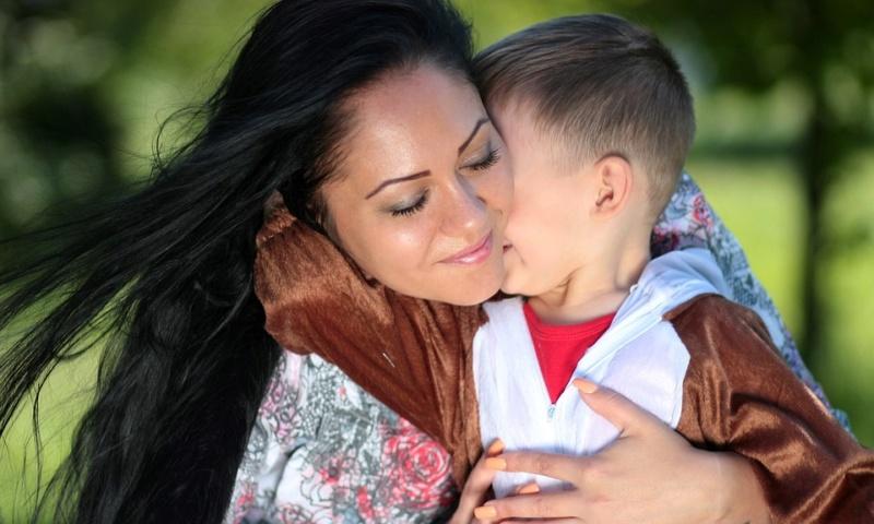 Majka i deca - Page 10 Mom-1310