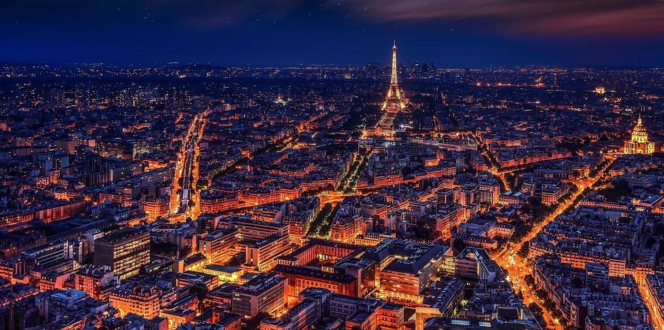 Gradovi noću - Page 33 Paris-10