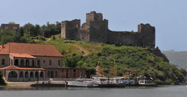 Dvorci,tvrđave i zamkovi - Page 3 Srb-gr10