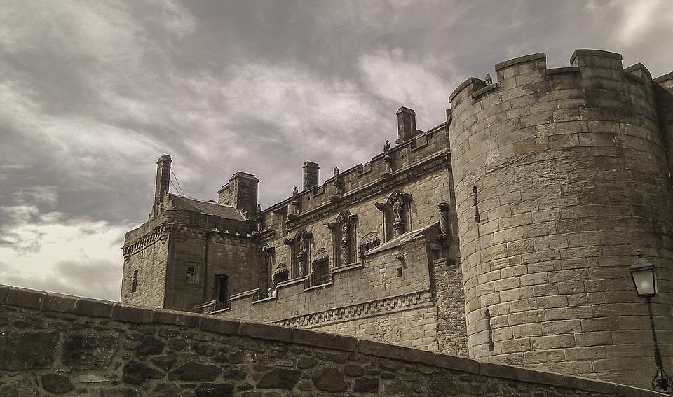 Dvorci,tvrđave i zamkovi - Page 5 Sterli10