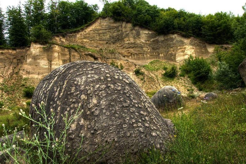 Камене громаде широм планете - Page 39 Uasnbc10