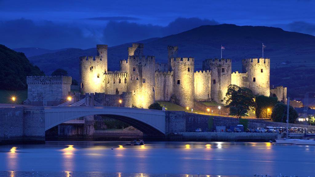 Dvorci,tvrđave i zamkovi - Page 5 United44