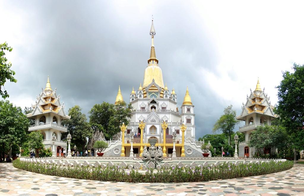 crkve,manastiri....ostali relig.objekti - Page 21 Vietna12