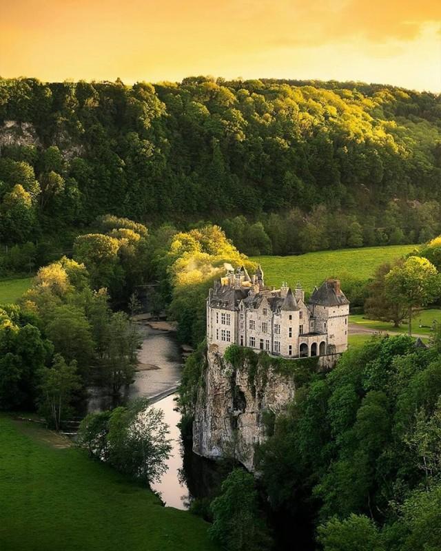 Dvorci,tvrđave i zamkovi - Page 5 Walzin10