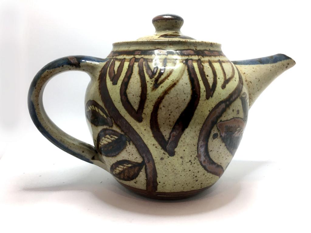 Teapot AY mark - Alderney Pottery  Teapot12