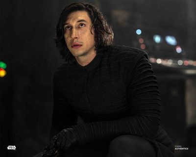 Discussion: Kylo Ren/Ben Solo in TLJ  - Page 33 1019e210