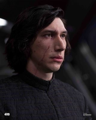 Discussion: Kylo Ren/Ben Solo in TLJ  - Page 33 D0130310