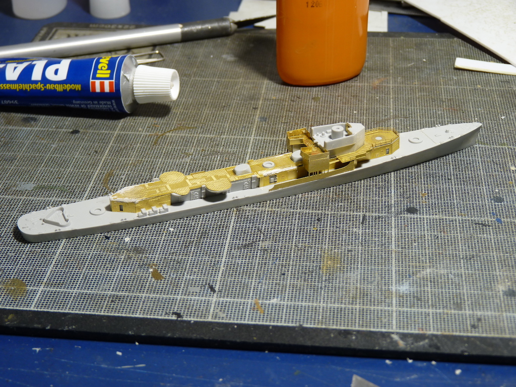 USS English - DD 696 1/700 PITT-ROAD/SKYWAVE - Page 2 P1110456