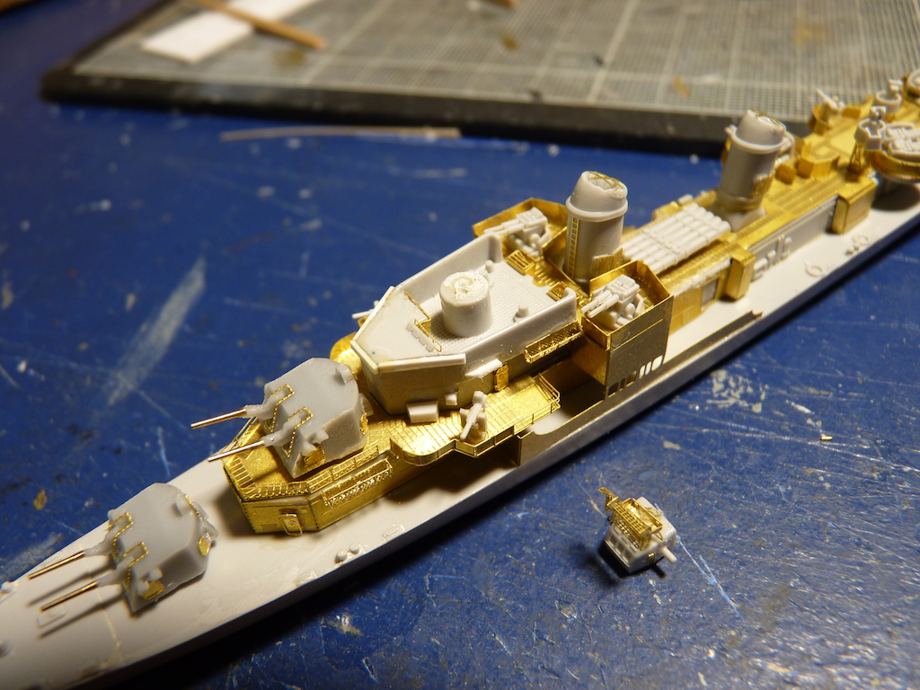 USS English - DD 696 1/700 PITT-ROAD/SKYWAVE - Page 3 P1110459