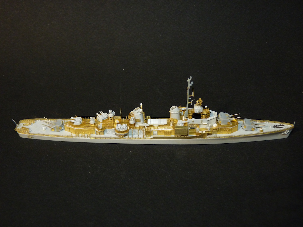 USS English - DD 696 1/700 PITT-ROAD/SKYWAVE - Page 3 P1110465