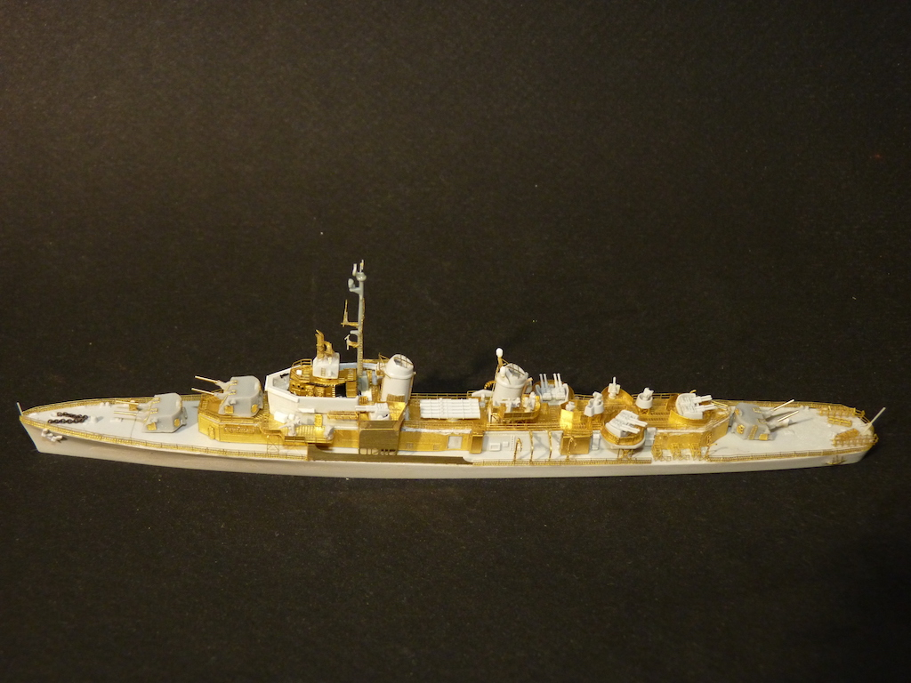 USS English - DD 696 1/700 PITT-ROAD/SKYWAVE - Page 3 P1110466