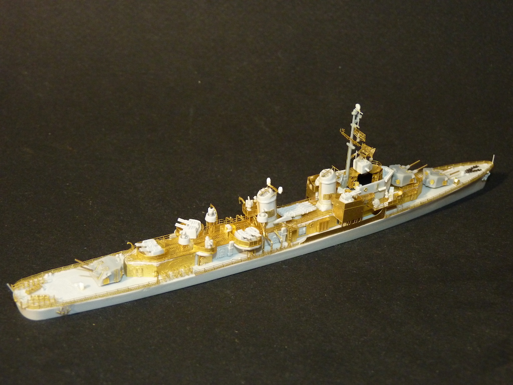 USS English - DD 696 1/700 PITT-ROAD/SKYWAVE - Page 3 P1110468
