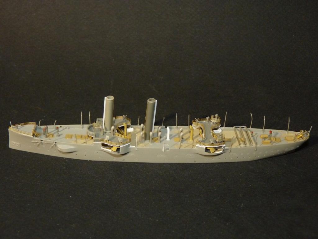 USS Chicago - croiseur protégé 1/700 COMBRIG - Page 2 P1110547