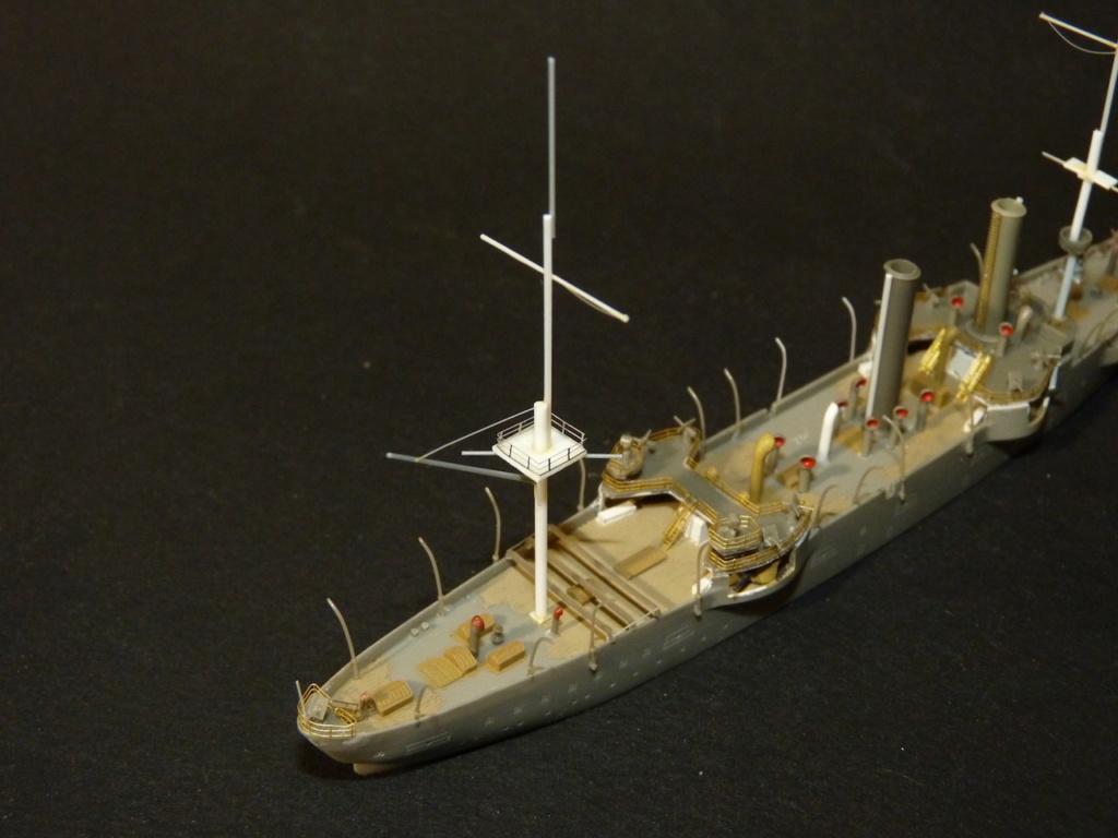 USS Chicago - croiseur protégé 1/700 COMBRIG - Page 2 P1110555