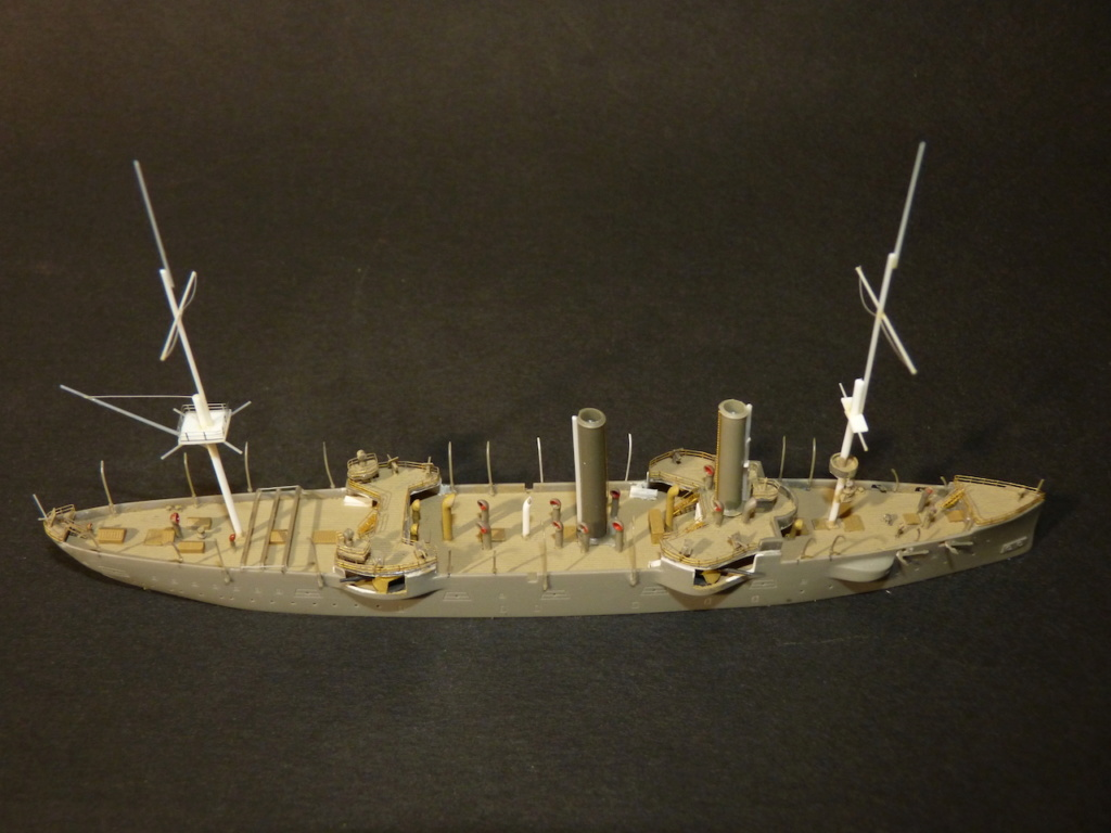 USS Chicago - croiseur protégé 1/700 COMBRIG - Page 2 P1110557