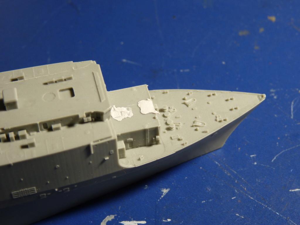 USS Tortuga - LSD 46 1/700 ORANGE HOBBY   P1110928
