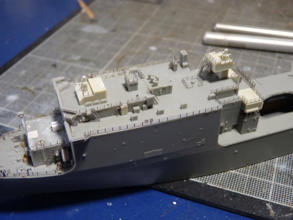 USS Tortuga - LSD 46 1/700 ORANGE HOBBY   P1110932