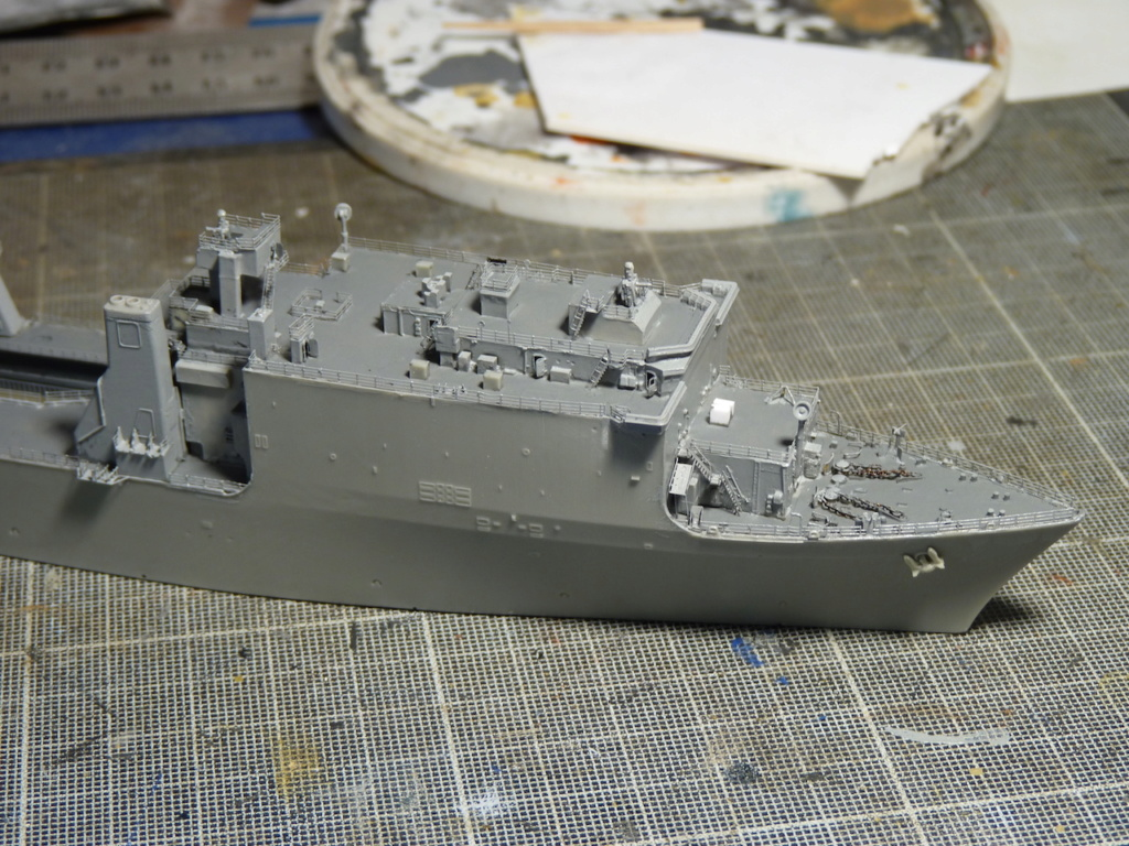 USS Tortuga - LSD 46 1/700 ORANGE HOBBY   P1110937