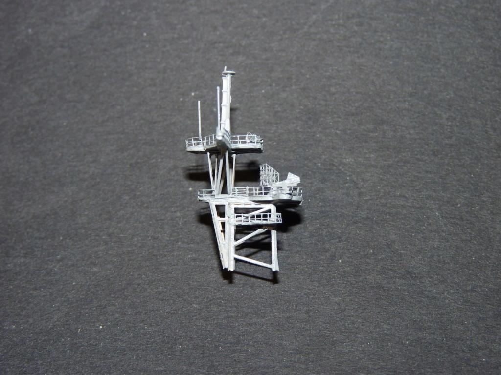 USS Tortuga - LSD 46 1/700 ORANGE HOBBY   - Page 2 P1110944