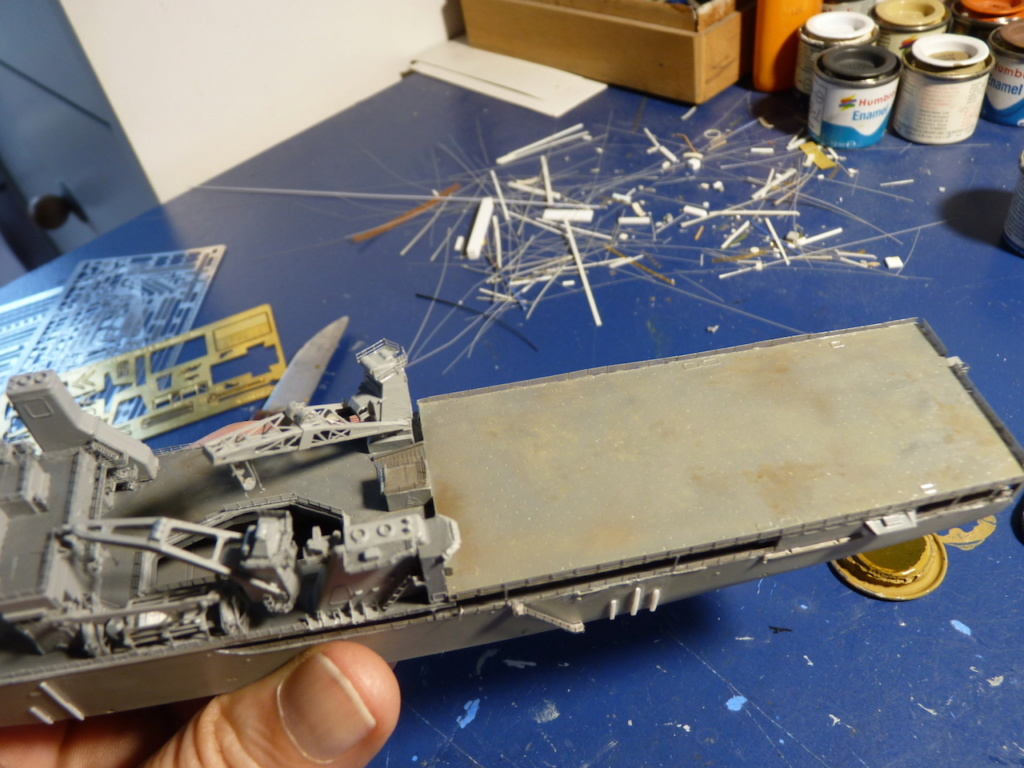 USS Tortuga - LSD 46 1/700 ORANGE HOBBY   - Page 2 P1110945