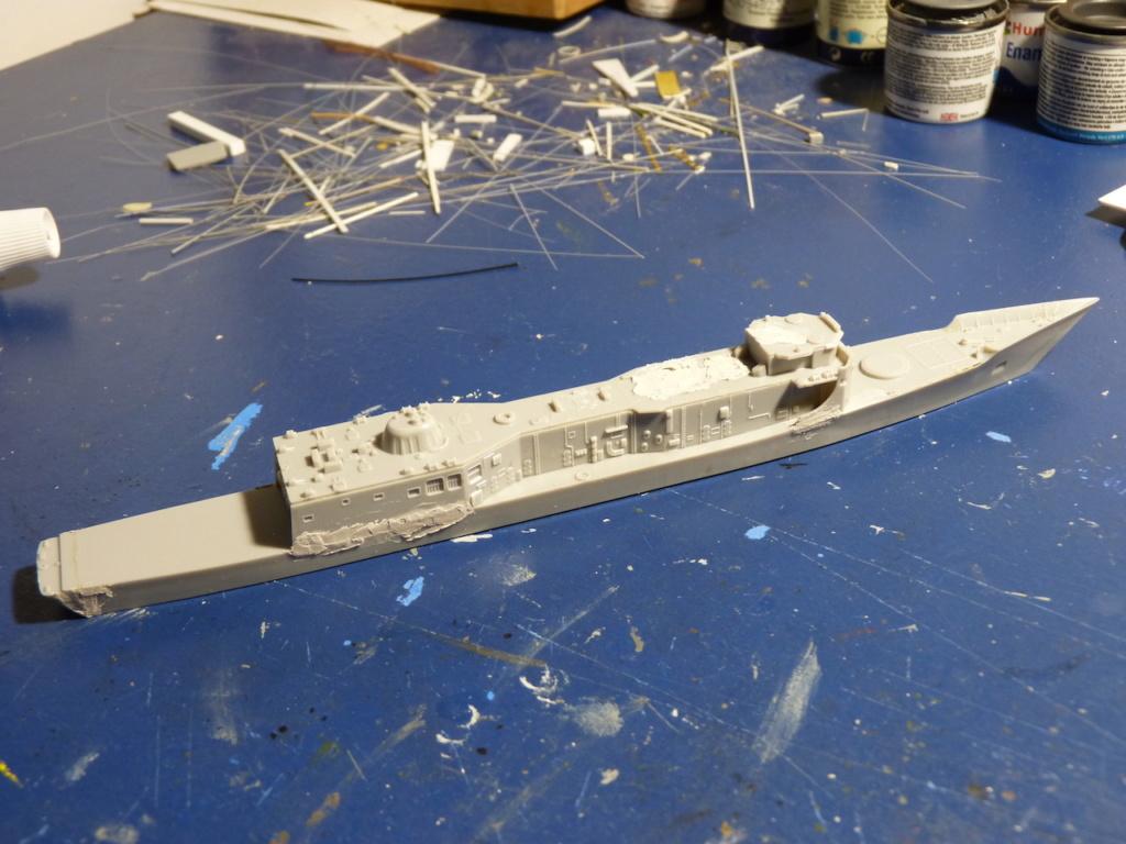 USS Kauffman - FFG 59 1/700 REVELL / PITTROAD   P1120028