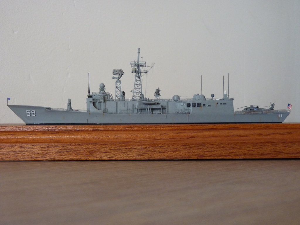 Mes navires US Navy... - Page 7 P1120121