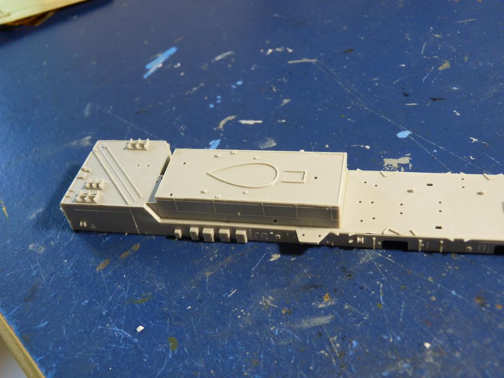 USS Seattle - AOE 3 1/700 TRUMPETER   P1120268