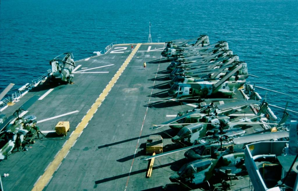 [Dragon] 1/700 USS Saipan LHA-2 Sa_4810