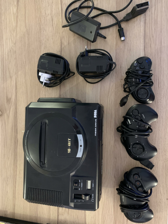 [VDS] Megadrive + Mega CD + 3 manettes + jeux... Unname12