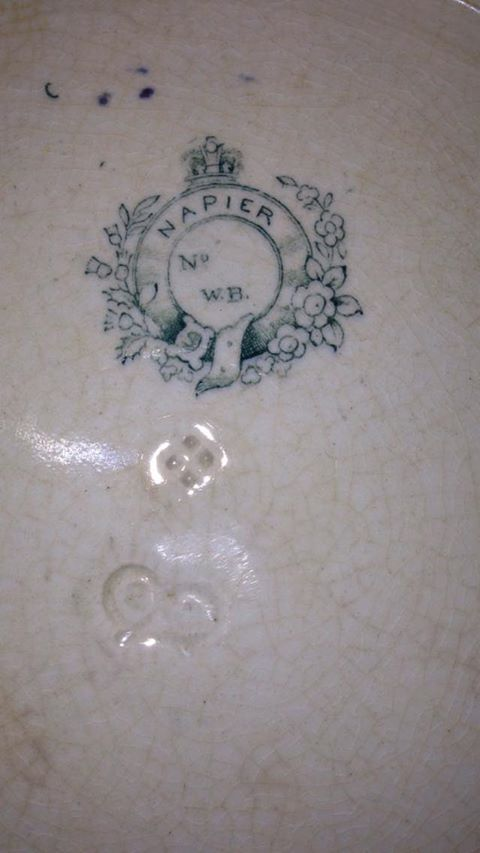 """Napier"" stamp and 4 dot mark on platter - can you ID? 49698410"