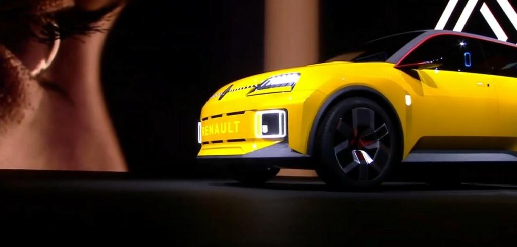 2021 - [Renault] 5 E-Tech Captur12
