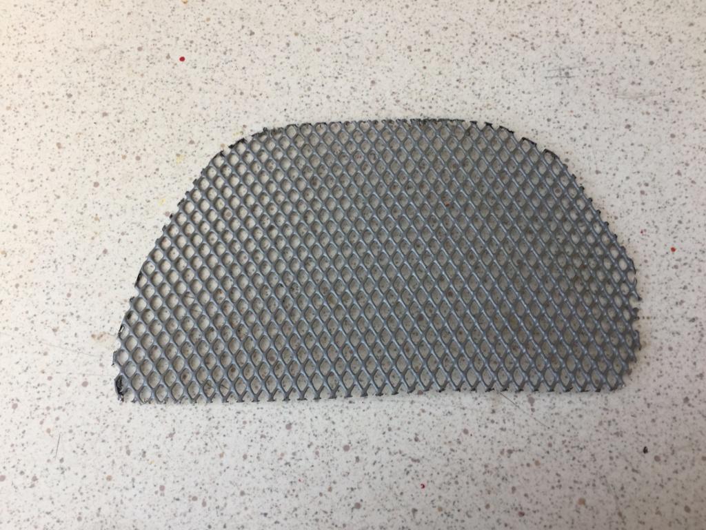 grille pour ouïe d'entrée d'air moteur Grille10