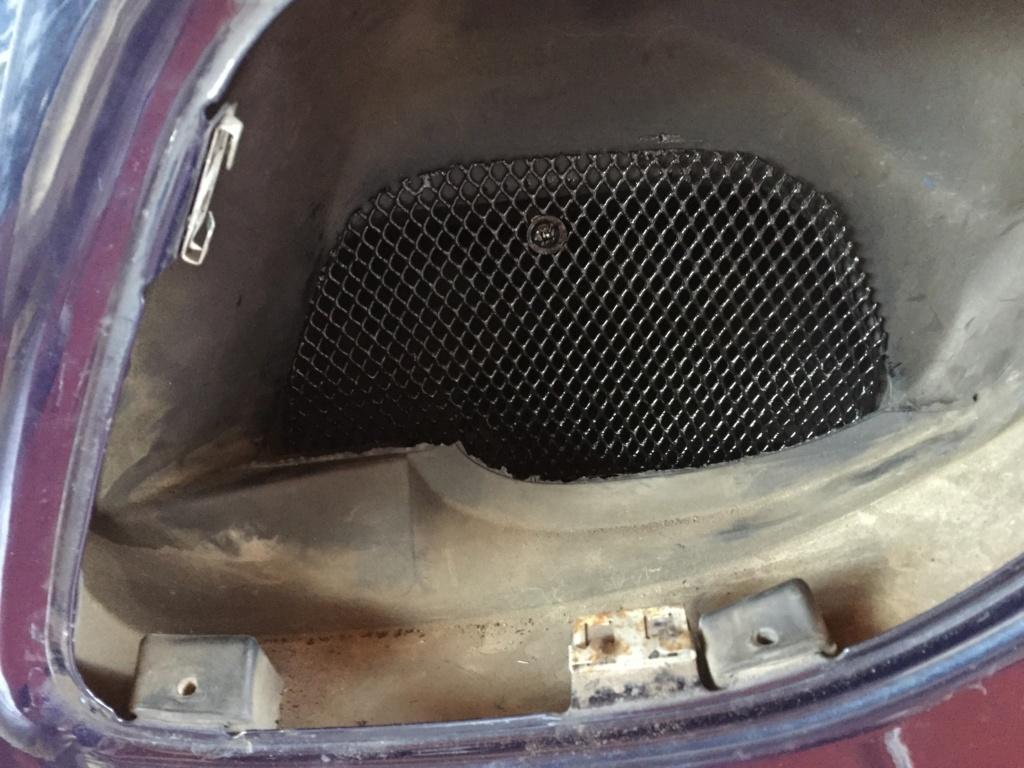 grille pour ouïe d'entrée d'air moteur Grille11