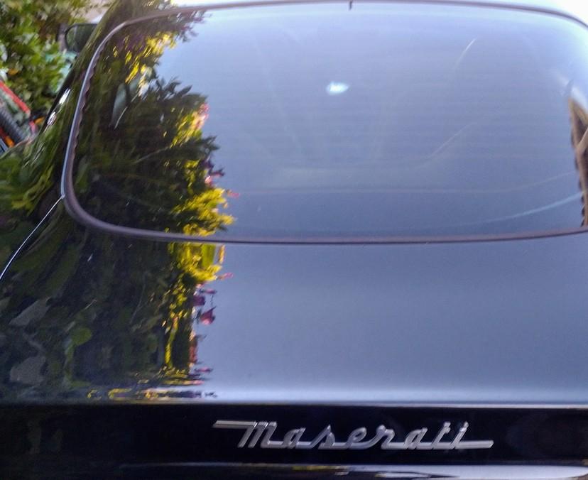 Casse de la lunette arrière de la coupé4200 79566a10
