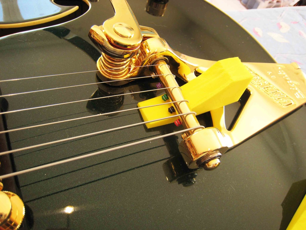 Quelles cordes pour une G6196T-59VS Country Club C12