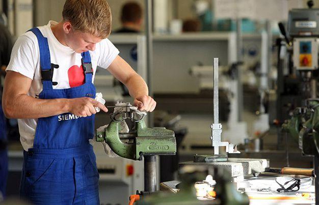 Điều kiện Du học ngành cơ khí điện tử tại Đức 2020? Nghe-c11
