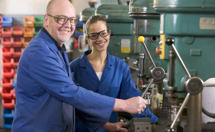 Du học nghề Cơ khí – Điện tử tại Đức – cơ hội việc làm và định cư cao Profes20