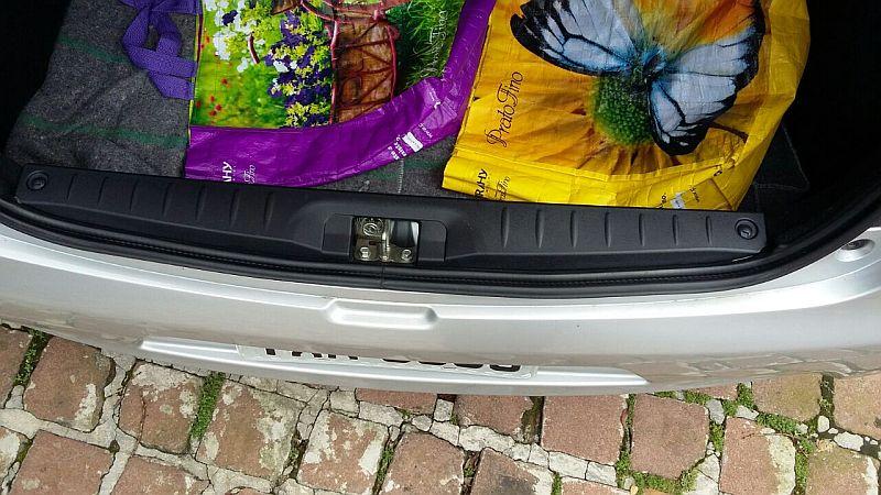 Soleira de porta-malas (acabamento) Porta_10