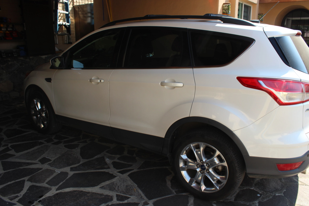 2013 Ford Escape SE Plus  Img_4410