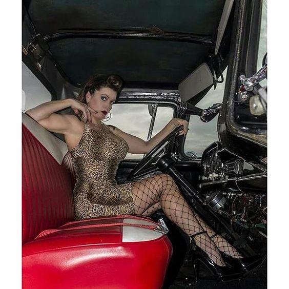 Les Jolies Femmes et l'Automobile XIV - Page 38 -013f810