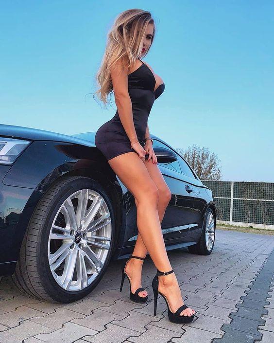 Les Jolies Femmes et l'Automobile XV -acc0510