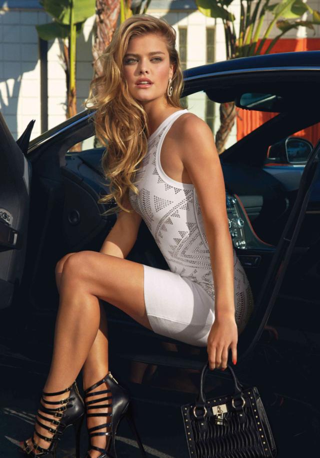 Les Jolies Femmes et l'Automobile XIV - Page 40 -tumb156